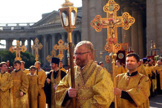 крестный ход день перенесения мощей александра невского религия православие милонов