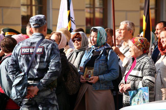 крестный ход день перенесения мощей александра невского религия православие росгвардия