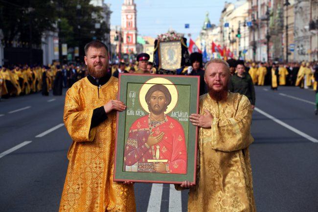 крестный ход день перенесения мощей александра невского религия православие икона