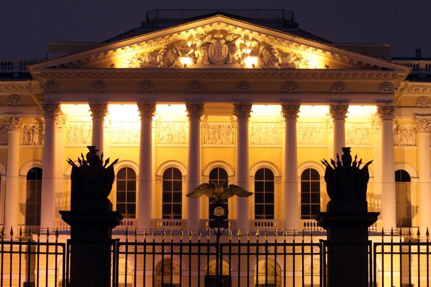 Возрождение Русского музея после войны: «Последний день Помпеи» в Молотове, разрушенный корпус Бенуа и заседания в подвальном гардеробе