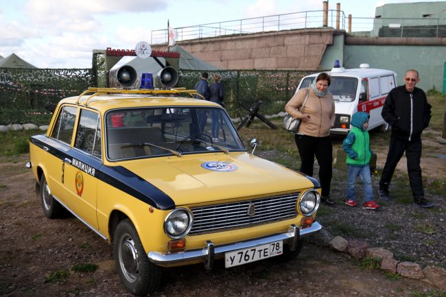 фестиваль ретротехники Фортуна автомобиль Жигули милиция