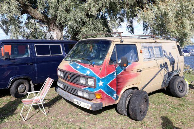 фестиваль ретротехники Фортуна автомобиль флаг Конфедерации