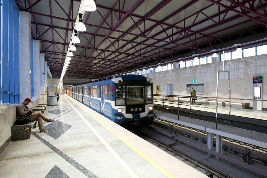 Движение вниз: как поезда попадают с заводов в петербургскую подземку?