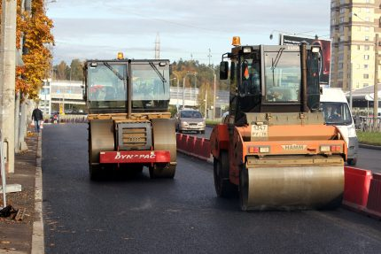 дорожные работы ремонт дороги Выборгское шоссе каток