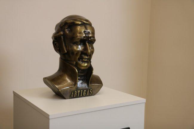 памятник основателю Уругвая — Хосе Артигасу