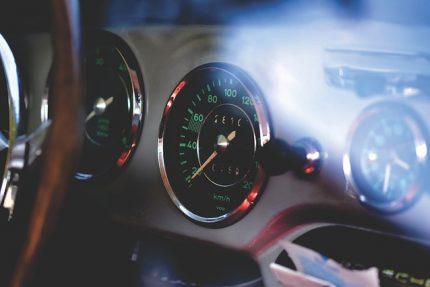 машина автомобиль приборы Porsche
