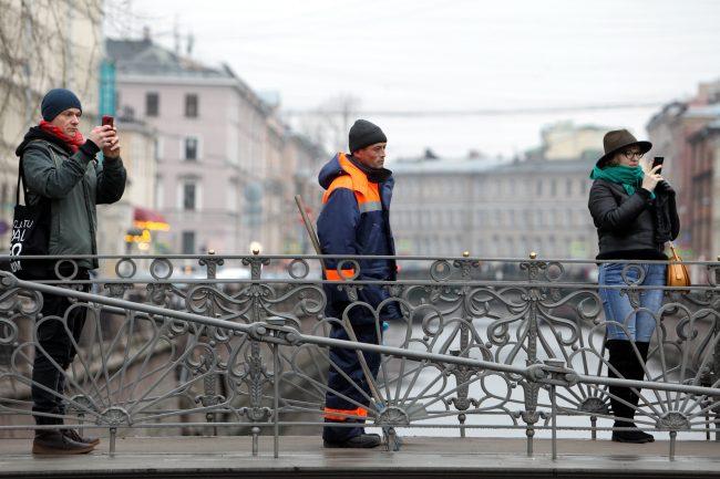 грифоны Банковский мост театрализованная акция защита культурного наследия
