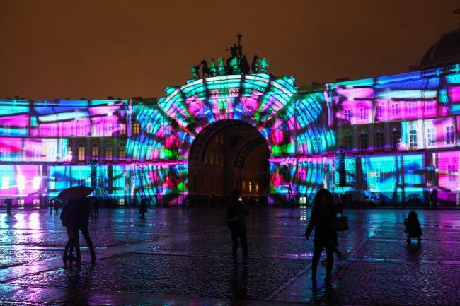 фестиваль Чудо света световые инсталляции проекции