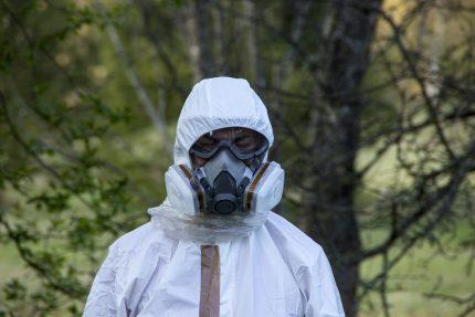 экология респиратор вонь запах маска противогаз радиация ядерные отходы мусор