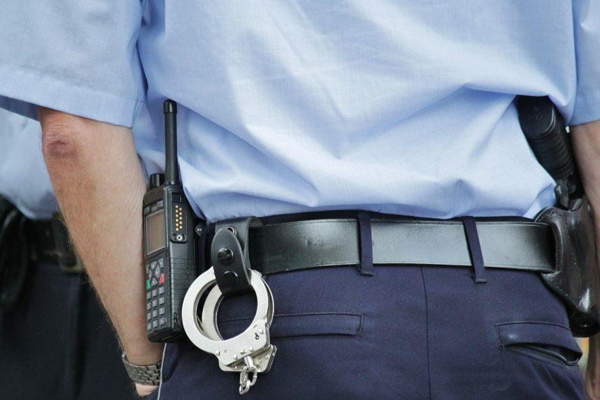 полиция наручники рация