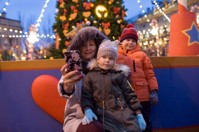 Рождественская ярмарка новый год ёлка дети