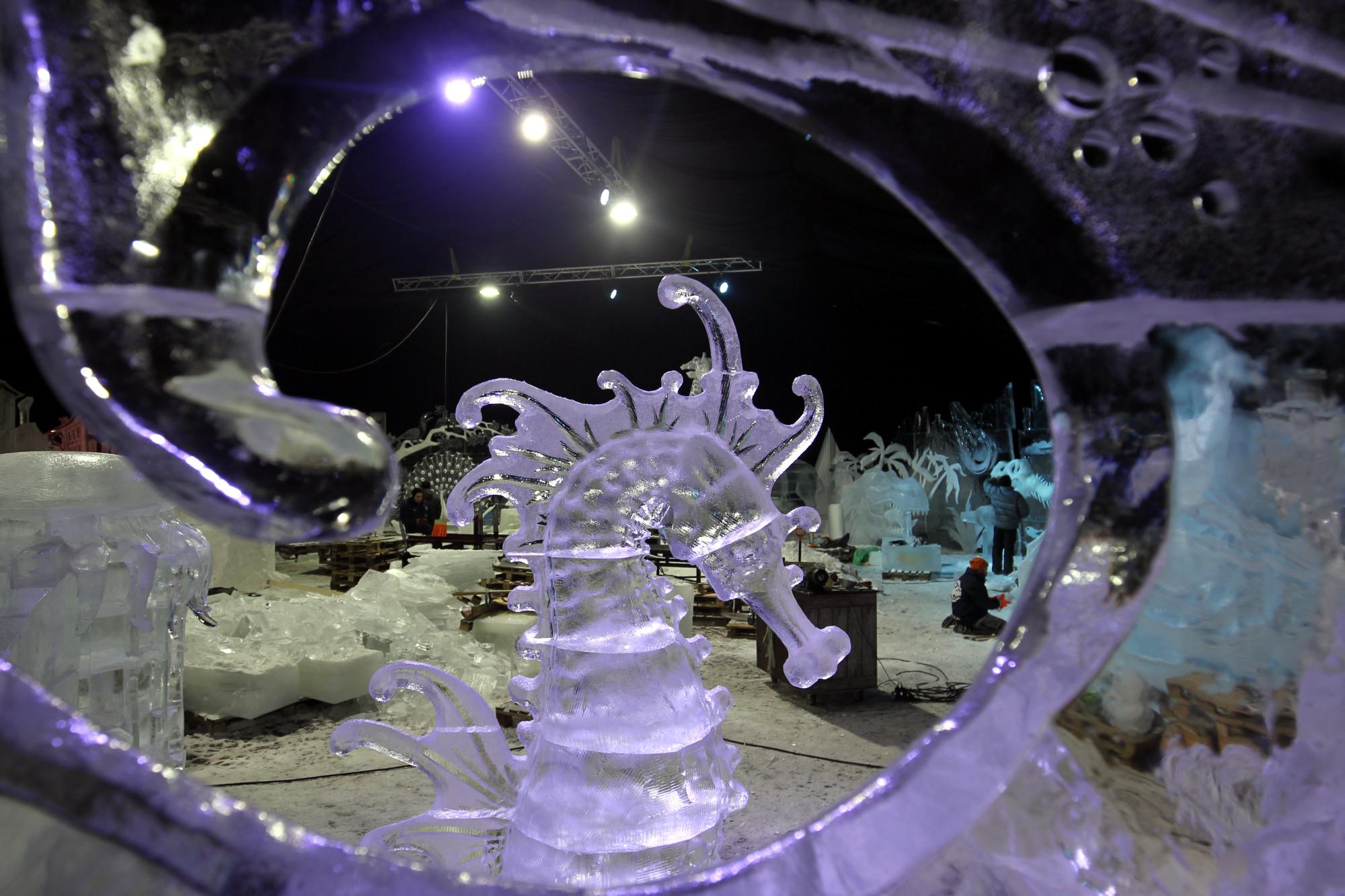 ледяные скульптуры морской конёк