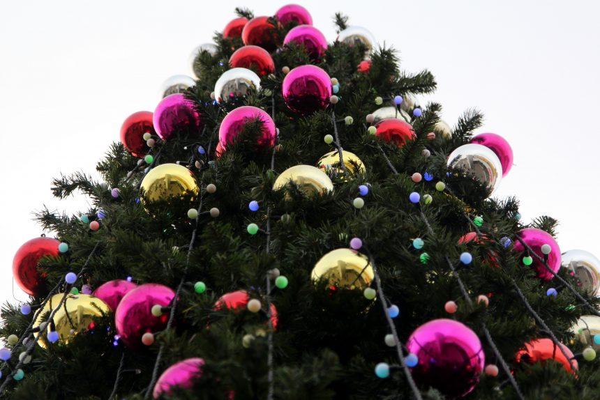 """Праздник к нам приходит: первые """"звоночки"""" надвигающегося Нового года"""