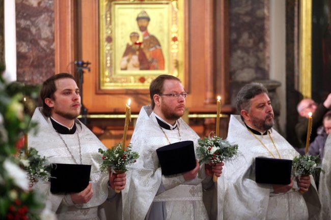 Рождество Казанский собор рождественская служба священники