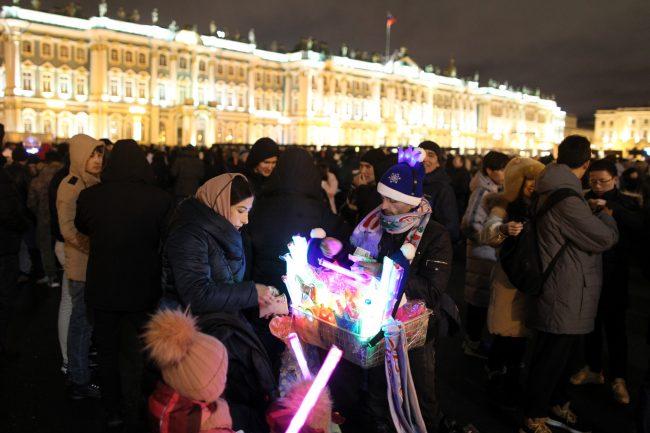 новый год новогодняя ночь украшения иллюминация Эрмитаж уличная торговля