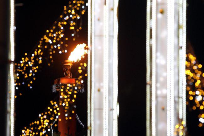 новый год новогодняя ночь украшения иллюминация Ростральные колонны