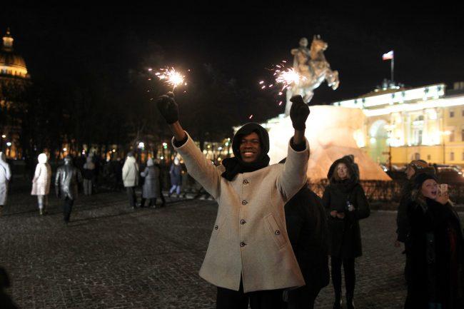 новый год новогодняя ночь бенгальские огни
