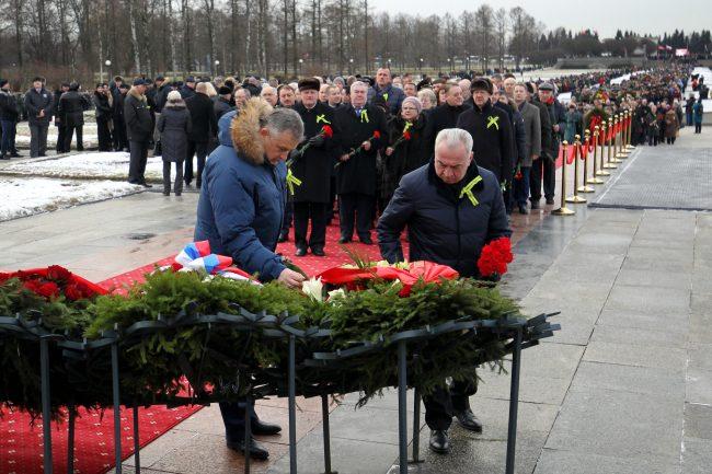 Пискарёвское мемориальное кладбище день освобождения Ленинграда от блокады Александр Дрозденко