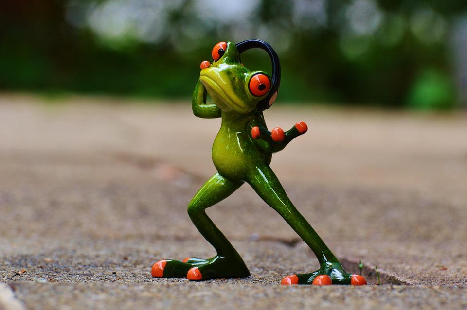 лягушка, наушники, музыка, песня
