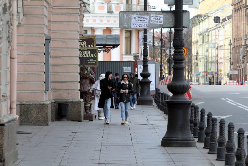 Невский проспект, пустые улицы
