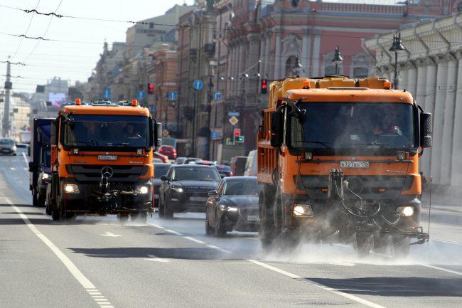уборка улиц, Невский проспект, поливальная машина, мойка дорог, уборочная техника