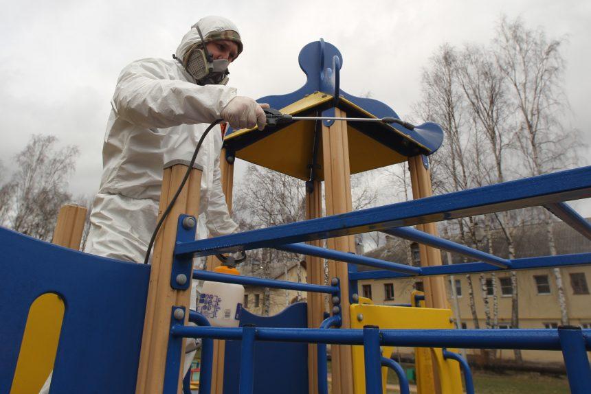 дезинфекция, санитарная обработка, коронавирус, детская площадка