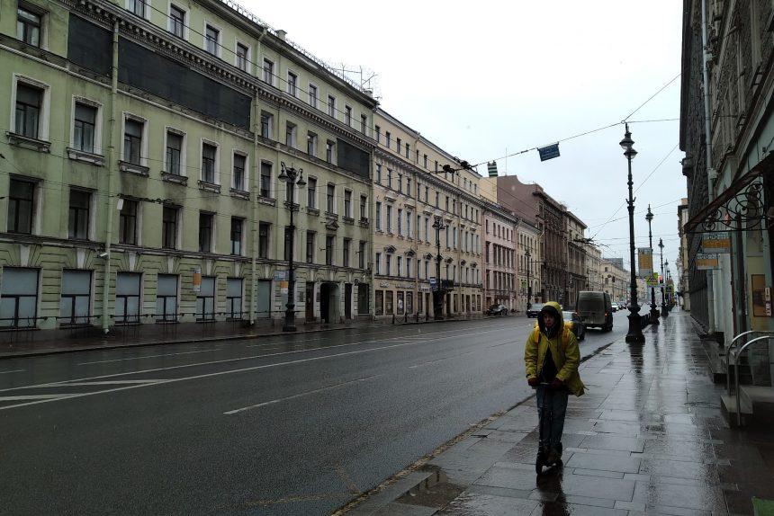 Смольный: В Петербурге на карантине находится 8 тыс. 831 человек