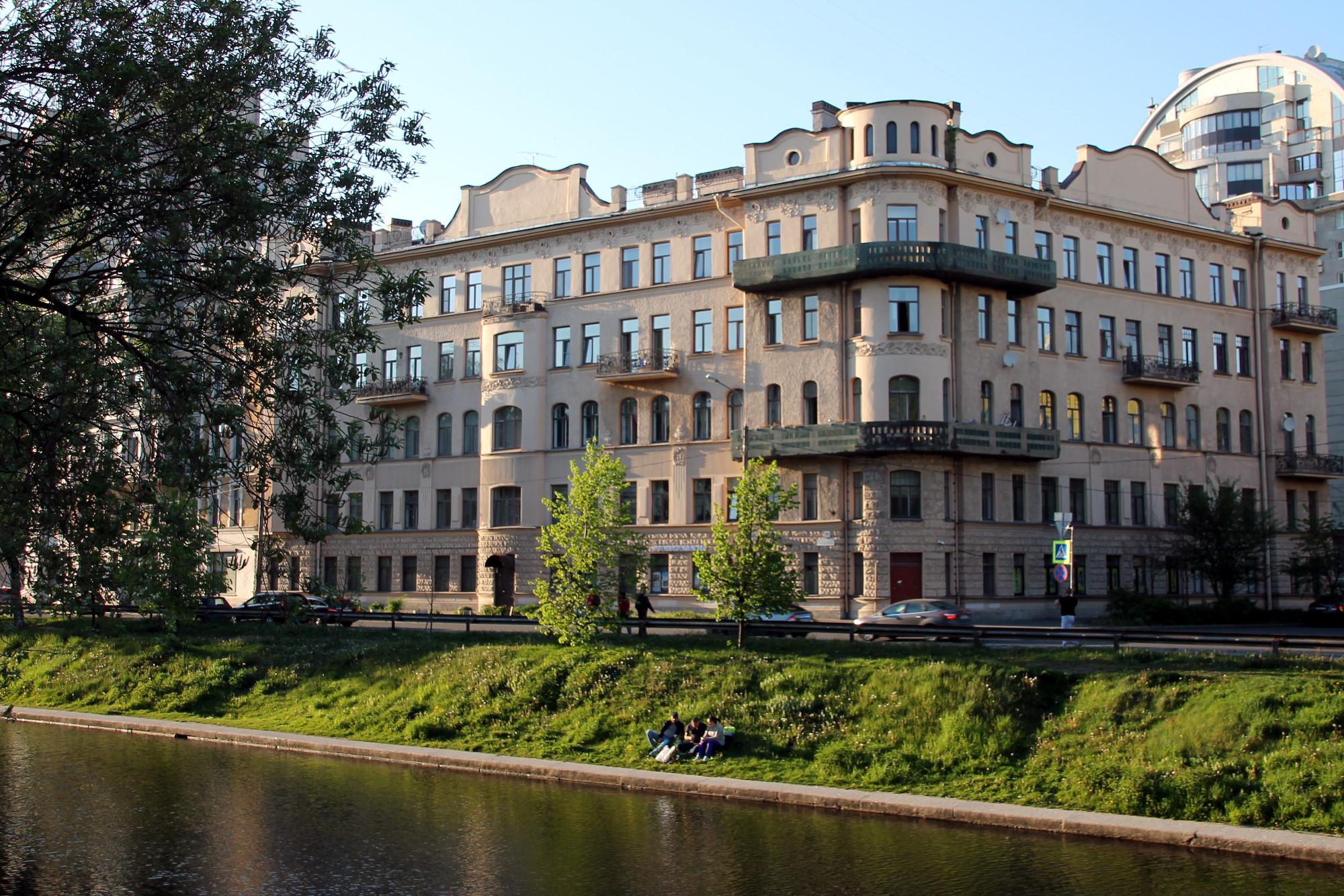 Дом П.И. Поршневой, наб. Чёрной речки, 49