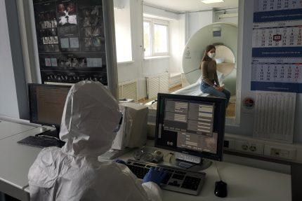 врачи, защитные костюмы, карантин, коронавирус, компьютерная томография
