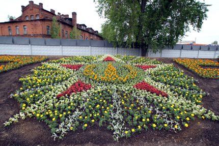 цветник, цветы, Свердловская набережная, орден Победы
