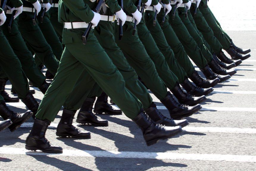 Правительство Армении объявило военное положение в стране