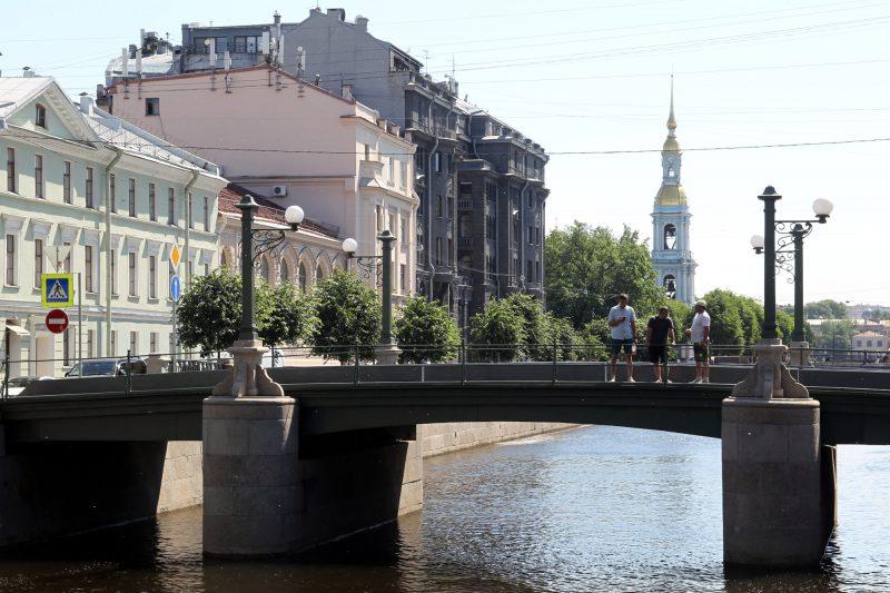 Торговый мост, Крюков канал