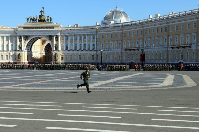 репетиция парада Победы, Дворцовая площадь, военные, бег