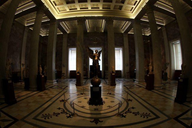 Эрмитаж, скульптура, богиня Победы, Ника