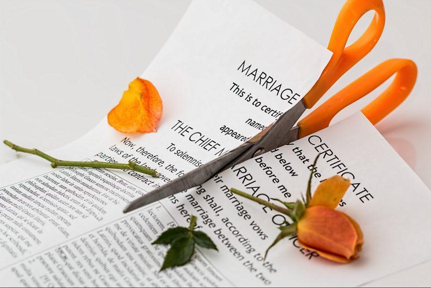 развод расторжение брака ножницы бумага