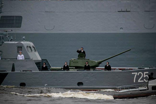 день ВМФ, главный военно-морской парад, танк Т-34, десантный катер