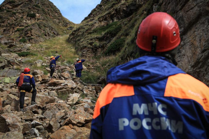 Приэльбрусье, Эльбрусский высокогорный поисково-спасательный отряд МЧС России. Отработка действий по поиску и эвакуации пострадавшего туриста из горно-скалистой местности