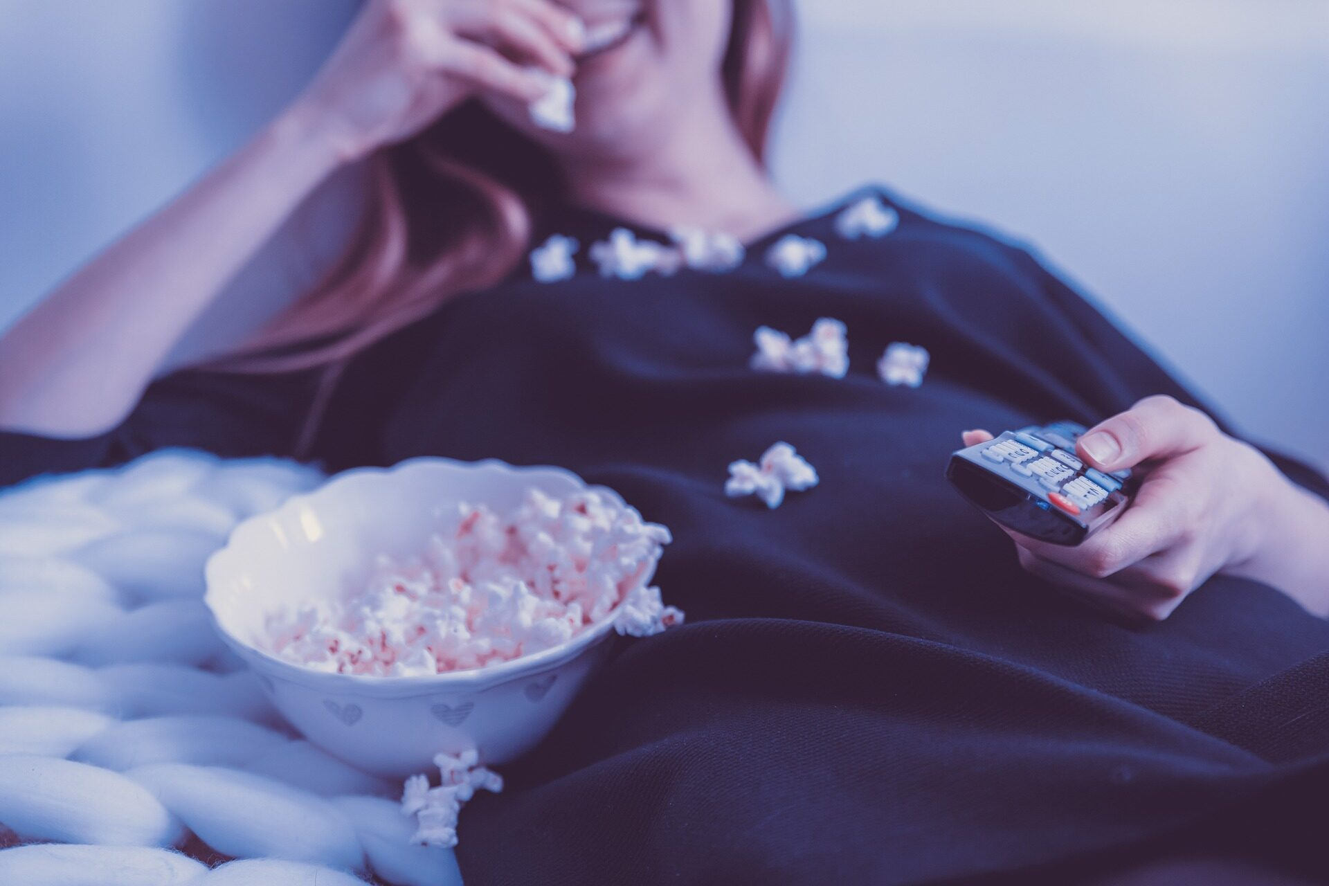 кино попкорн телевизор