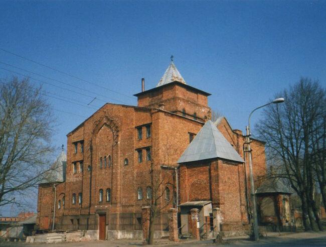 церковь Серафима Саровского в Петергофе
