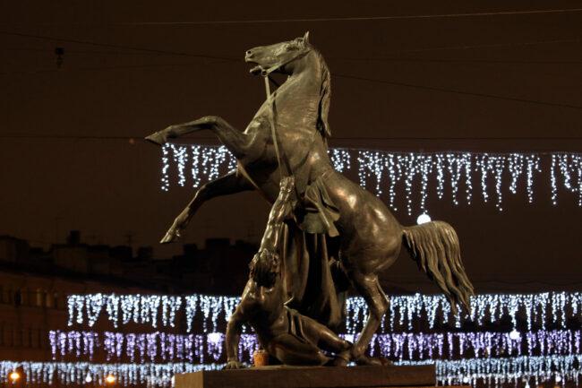новогодние украшения, оформление, иллюминация, Невский проспект, аничков мост, кони