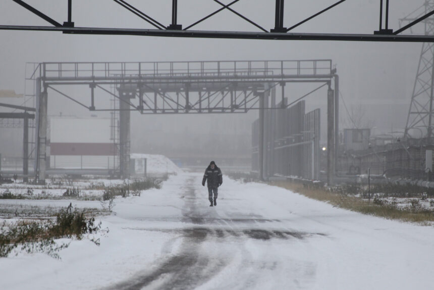 туман, промзона, зима, снег