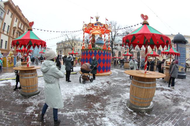 рождественская ярмарка, новый год, новогодние праздники, карусель, досуг, развлечения, дети