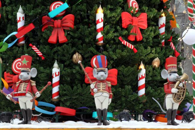 рождественская ярмарка, новый год, новогодние праздники, ёлка, ёлочные игрушки, украшения
