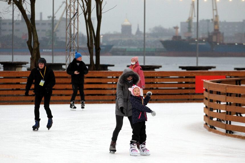 Севкабель порт, каток, катание на коньках