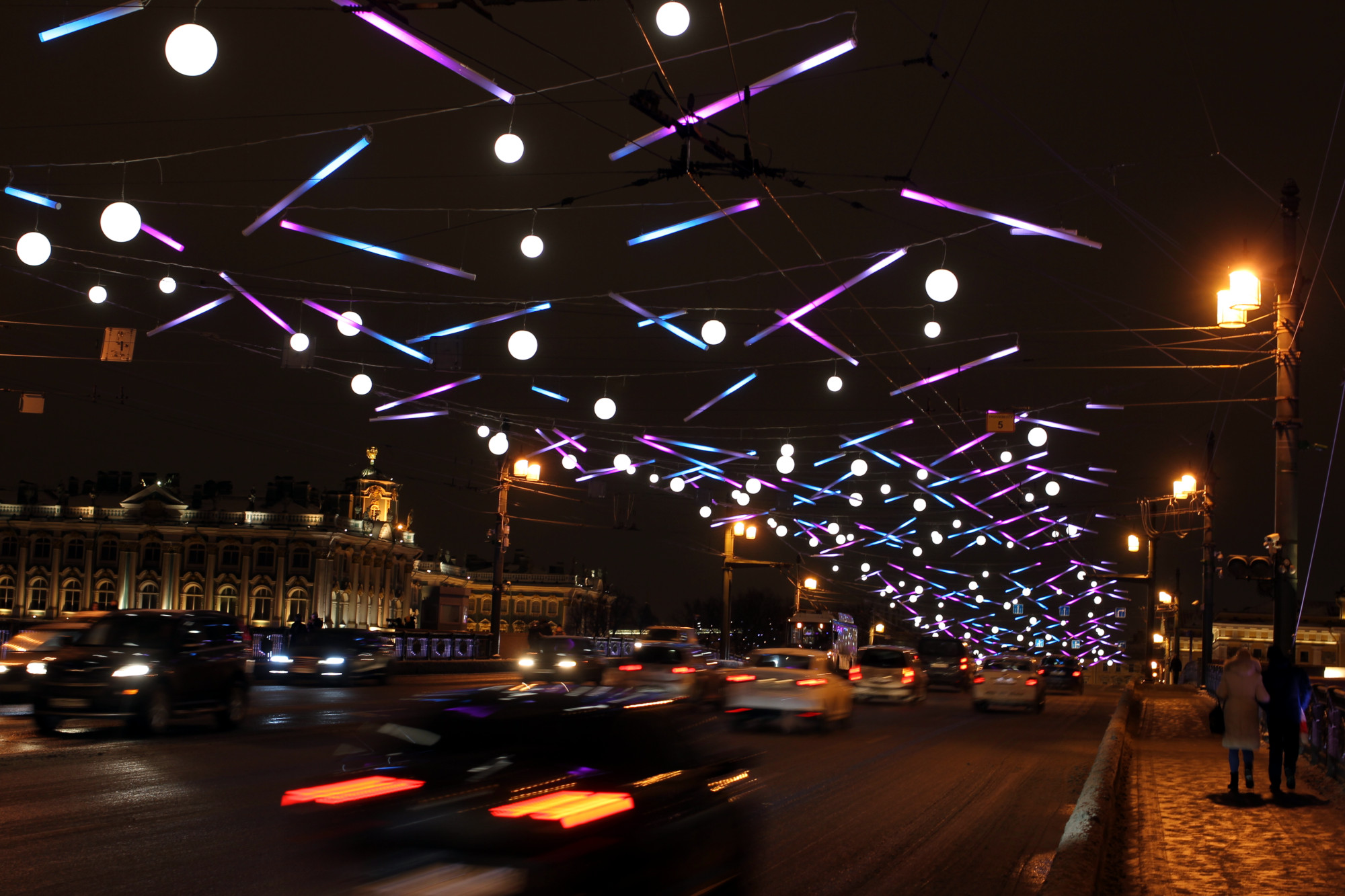 Дворцовый мост, иллюминация, новогодние украшения