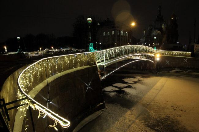Мало-Конюшенный мост, троемостье, новогодние украшения, иллюминация
