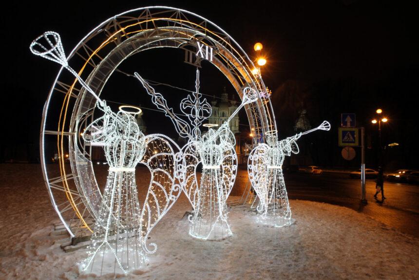 часы ангела, новогодние украшения, площадь Растрелли, Смольный собор