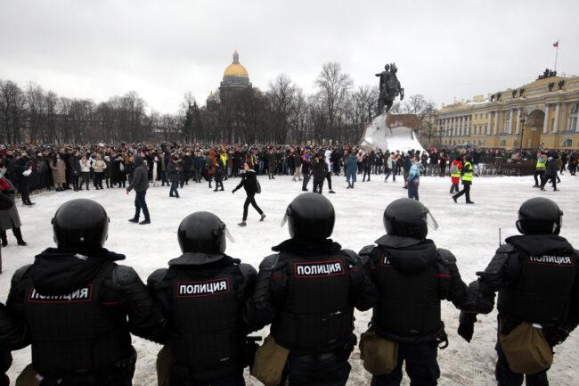 протест, акции в поддержку Навального, митинг, ОМОН