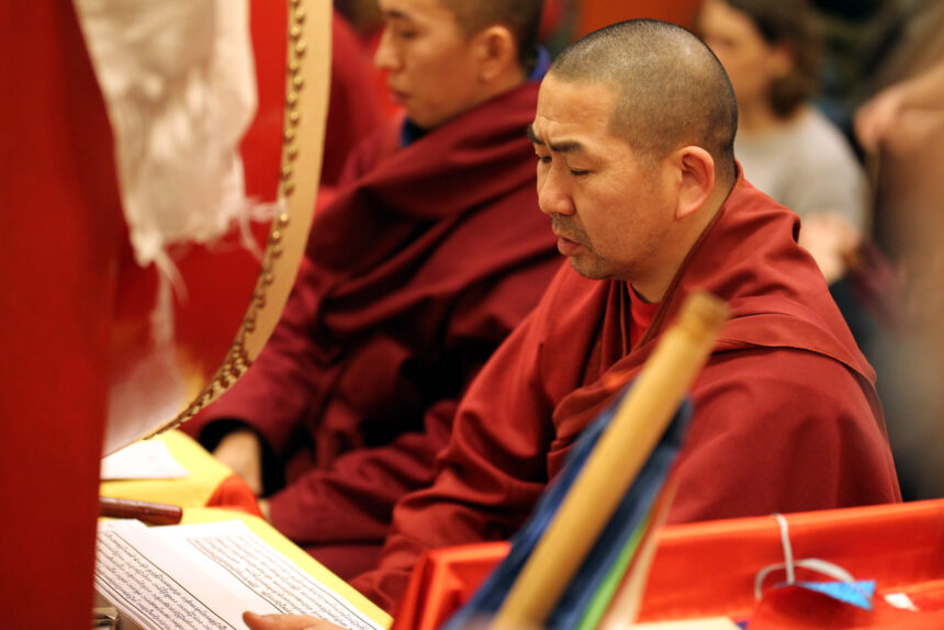дацан Гунзэчойнэй, буддизм, молебен Дугжууба, монах, новый год по восточному календарю, Сагаалган