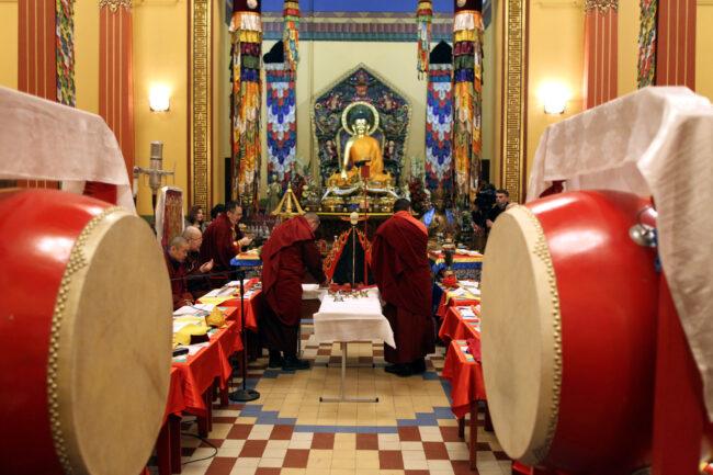 дацан Гунзэчойнэй, буддизм, молебен Дугжууба, монахи, новый год по восточному календарю, Сагаалган